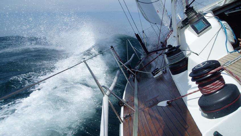 yacht_low